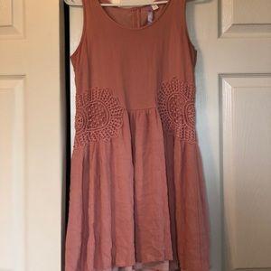 Mauve cotton dress.